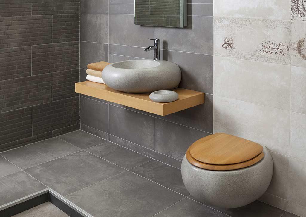 1421 Walgrove Ave Bathroom